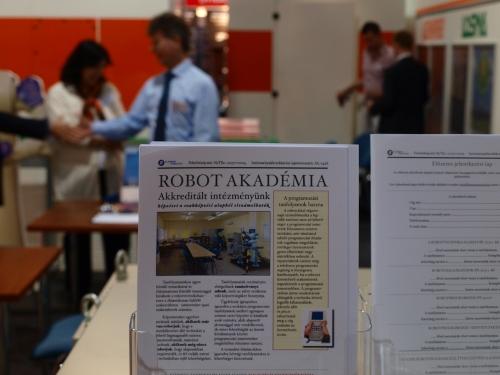 Robot Akadémia