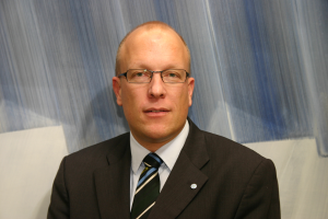 Christoph Herrmann, a Brunswick Alkalmazott Tudományegyetem Szerszámgép– és Gyártástechnológiai Intézet (IWF) Termék- és Életútmenedzsment részlegének professzora