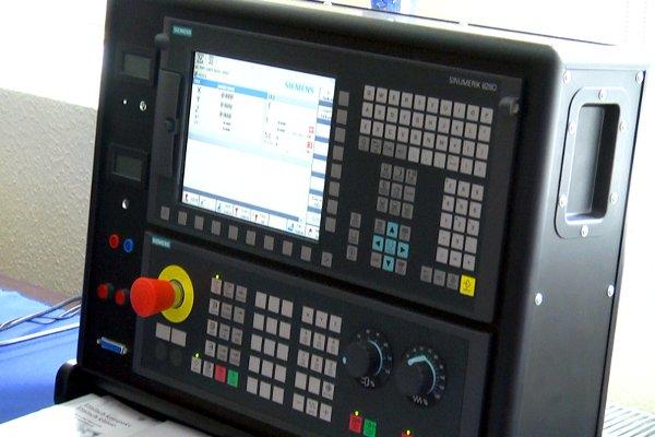 Siemens SINUMERIK 828 D - kompakt, erős, egyszerű