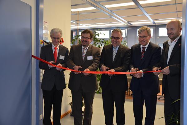 A Haas Technológiai Oktatási Központjának megnyitója Németországban