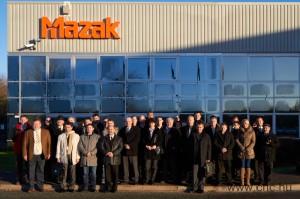 Csoportkép a novemberi Mazak gyárlátogatásról