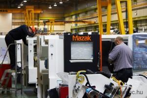 Gyárlátogatáson a Mazak angliai gyárában