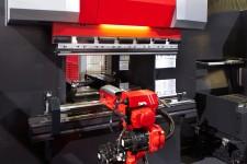 AMADA AG 6013 AR robotizált élhajlító gép az EuroBLECH kiállításon - 2012. október 25 - 7