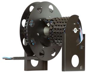 """Az igus """"E-Spool"""" terméke három különböző hosszúságban (0-4 m, 4-7 m és 7-14 m) valamint 80 és 125 mm belső szélességgel (1400 sorozatú energialánc) kapható."""