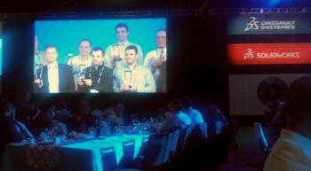 Wiesler Zoltán a SolidWorks World-ön vehette át az EuroSolid Kft. munkáját elismerő díjat.