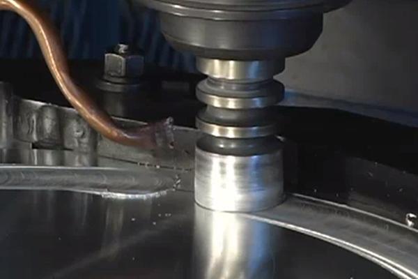 Alumínium alkatrészek összekötése lineáris dörzshegesztéssel