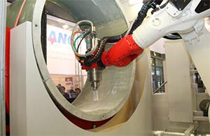 Kompozit fúrás kriogén robottal