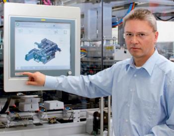 Gorazd Jerič hatalmas teljesítménynövekedést ért el a Hekuma pipettahegy fröccsöntő termékvonalon a PLC-ről PC-alapú vezérlésre történő váltással. További fejlesztési lehetőségeket lát a jövőben, különösen az egységes objekt-orientált programozású TwinCAT 3-ban és az XTS eXtended szállítórendszerben.