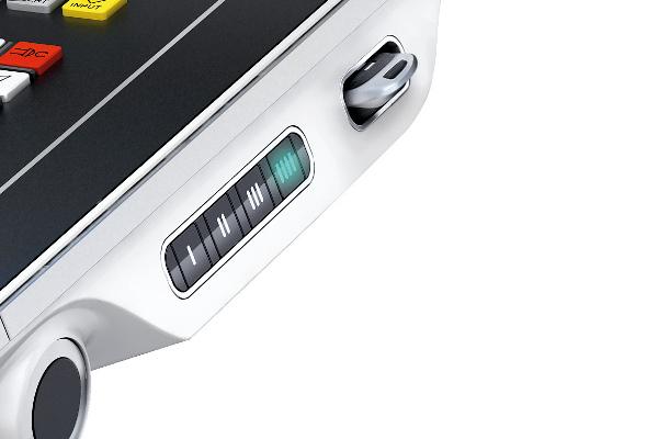 SMARTkey® A kezelő személyre szabott hozzáférése: egyéni hozzáférés a vezérléshez és a géphez. Integrált USB memóriával.
