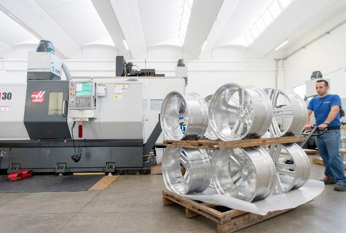 A 2Elle jelenleg havonta összesen 1000–1200 készterméket gyárt.