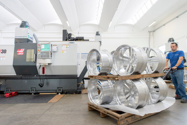 The strong and silent type | Machining News