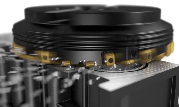 A nyolcélű lapkákkal szerelt CoroMill® 425 rendszerrel a Sandvik Coromant az autóiparban használatos öntvények homlokmarásához használható simító szerszámot hozott létre.