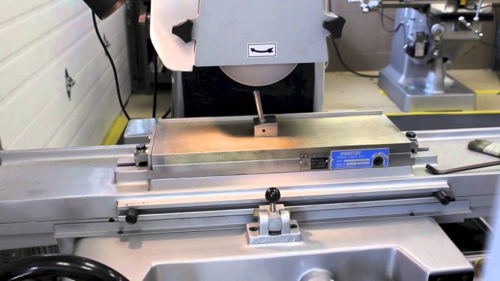 Síkköszörűgép korongjának leszabályozása