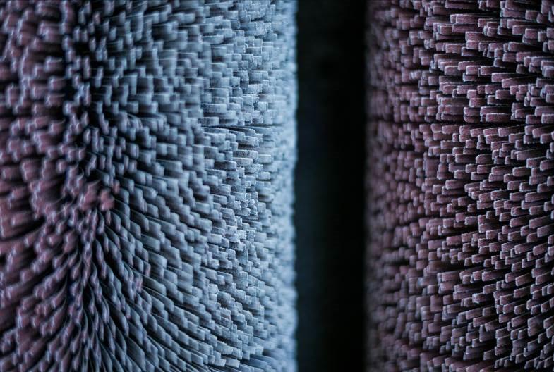 Magas élettartam, alacsony fenntartási költség: A Timesavers lamellás forgókefék élettartama meghaladja a 3000 órát (Fotó: Timesavers International)