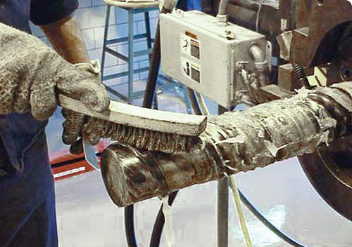 3. ábra: Extruder csiga fizikai tisztítása