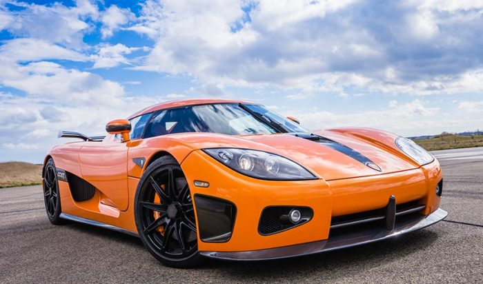 """A Koenigsegg autókban az innováció és a legújabb technológia egyidejűleg van jelen. A fenti képen szereplő CCXR modell, egyebek mellett, a világ első környezetbarát, """"zöld"""" szuperautója."""