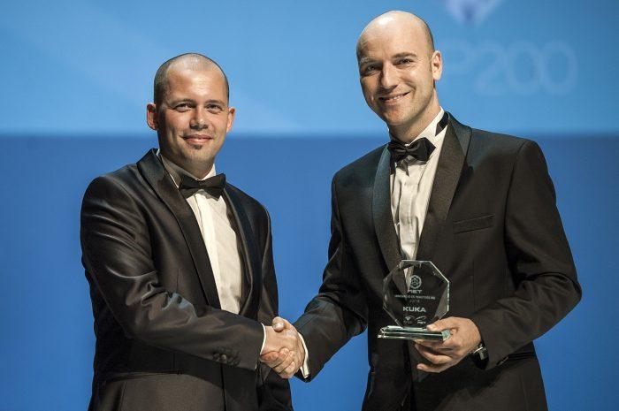 Készítette: Németh Dániel, Szabó Gergely a MET Magyarország vezérigazgatója és Orovica Szilárd a KUKA Robotics Hungária ügyvezető igazgatója