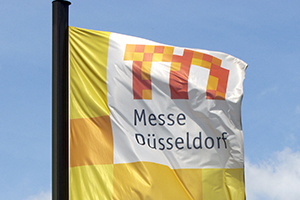 Verwendung ausschliesslich als Pressefoto gestattet! Messe Duesseldorf/Fahne/Flag Foto: Messe Duesseldorf / Tillmann & Partner  Abdruck nur f�r Pressezwecke und mit Urhebervermerk  honorarfrei.  Print only with copyright note free of charge. Only for editorial use!