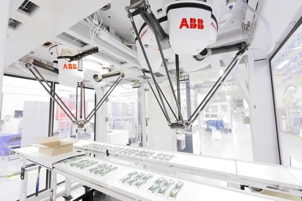 Az ABB 1998-ban fejlesztette ki a csomagolásban és anyagmozgatásban használt FlexPicker ipari robotját