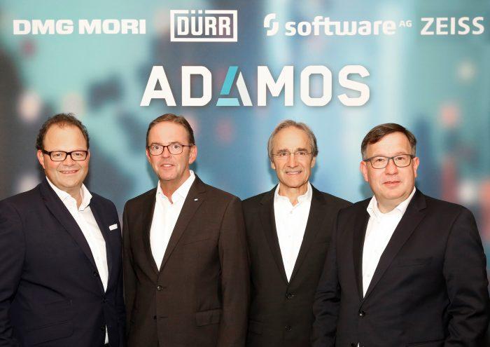 Az ADAMOS alapítói (balról): Christian Thönes, a DMG MORI AKTIENGESELLSCHAFT CEO-ja, Ralf W. Dieter a Dürr AG vezérigazgatója, Karl-Heinz Streibich, a Software AG CEO és Tomas Spritzenpfeil, a Carl-Zeiss AG vezetőségi tagja.