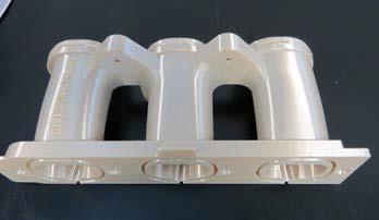 Ezt a 3D nyomtatással készített levegőbeszívó csövet ULTEM 9085 alapanyagból gyártották