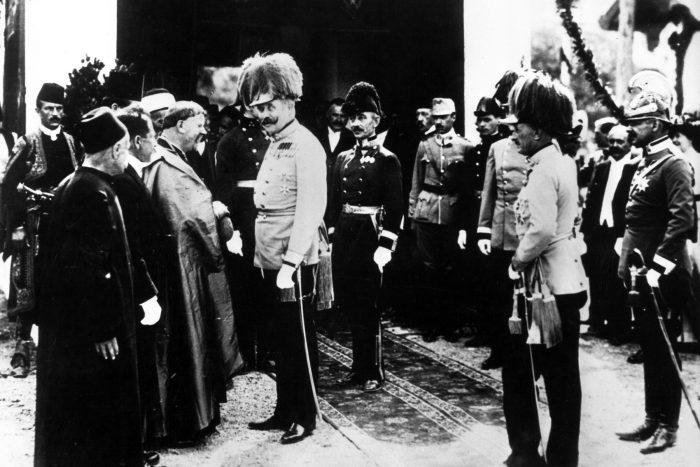2. ábra Ferenc Ferdinánd Szarajevóban, nem sokkal a merénylet előtt