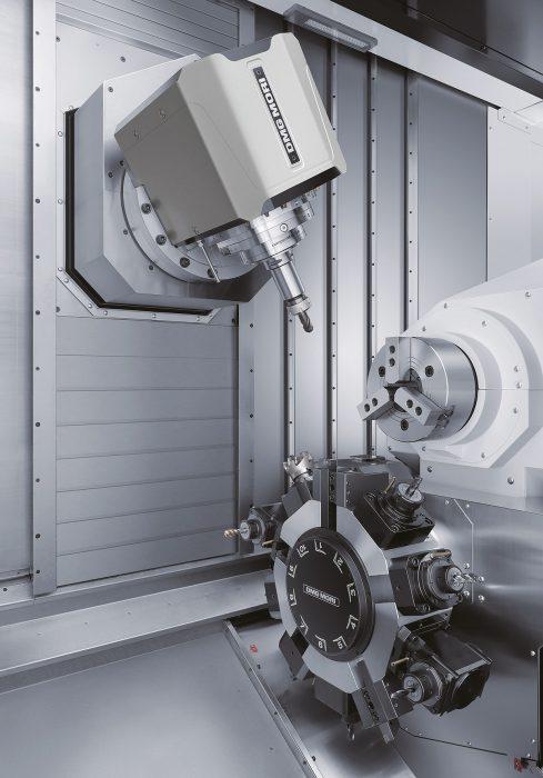 A direkt hajtásos B-tengely alkalmazásával komplett, szimultán 5-tengelyes megmunkálások elvégzése is lehetséges.