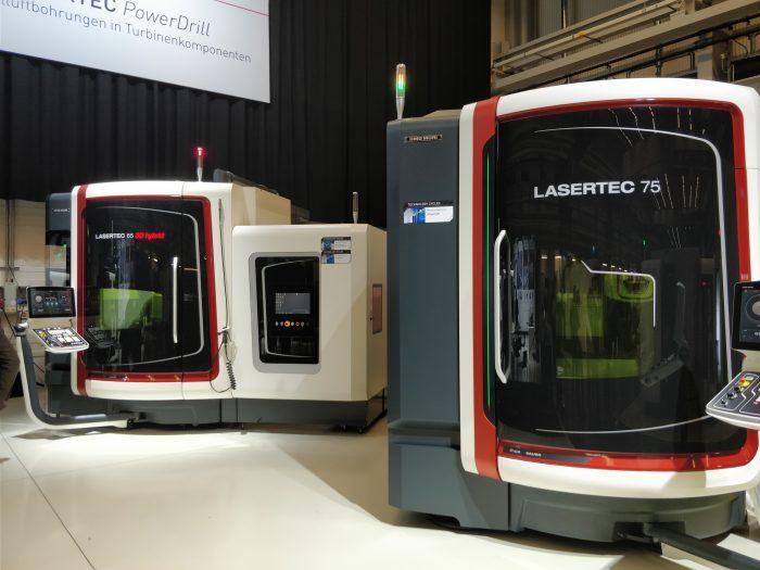 Az eseményen a teljes LASERTEC sorozat is megtekinthető volt - több gépen pedig próbamegmunkálások folytak.