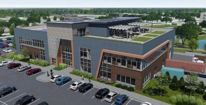 A Deloitte és wichitai állami egyetem közös munkája, a Smart Factrory @ Wichita együttműködés, egy olyan 5500 négyzetméternyi területet elfoglaló intelligens épület, amelynek nulla nettó környezeti hatása van, és szemlélteti a legfejlettebb intelligens gyártási technológiákat. A Deloitte Consulting LLP jóvoltából.