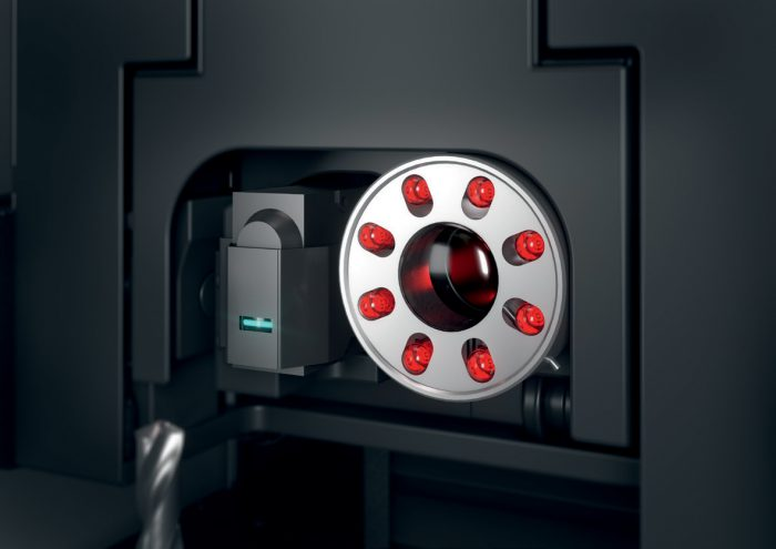 Az új beeső fényű DualCam kamera nyolc LED szegmensével optimális világítást biztosít a 2D- és 3D-s geometriák kombinált méréséhez